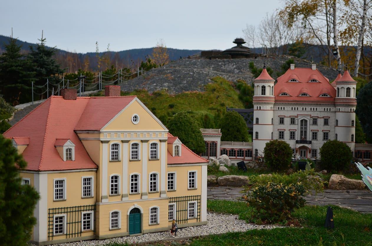 Park Miniatur - Pałac Łomnica, Pałac Wojanów, Śnieżka. SunSeasons24