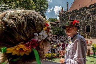 Biesiada kresowa na zamku Grodziec, zdjęcie Wiesław Jurewicz, blog SunSeason24
