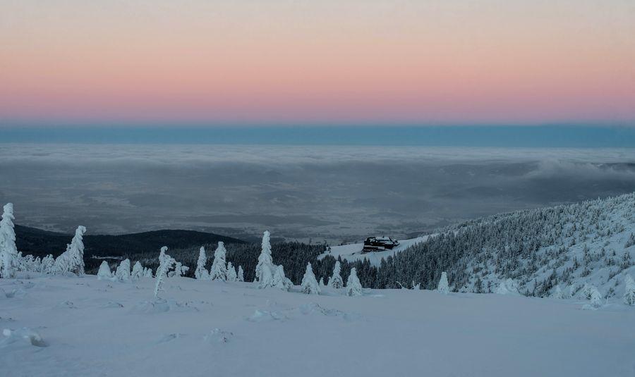Wieczorny widok na Strzechę Akademicką zdjęcie Krzysztof Siwa blog SunSeasons24