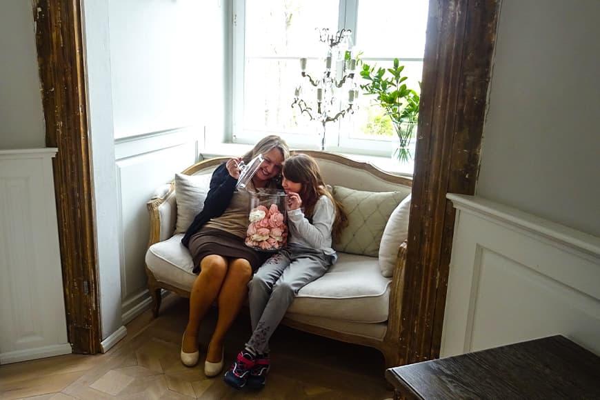 Bezy – słodka specjalność w Pałacu Kamieńca zdjęcie Barbara Jakimowicz-Klein blog SunSeasons24