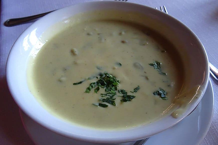Wiosenna zupa z bobu zdjęcie Barbara Jakimowicz-Klein blog SunSeasons24