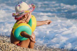 Dziecko zdjęcie do wpisu ochrona przed słońcem blog SunSeasons24