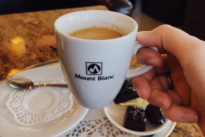 Kawa w Mount Blanc w Karpaczu, zdjęcie Sara. Blog SunSeasons24.