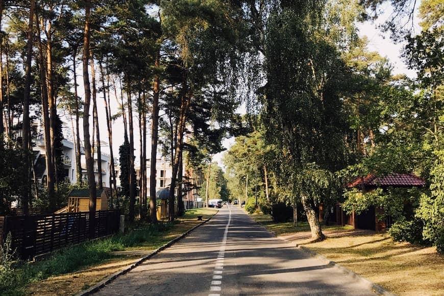 Ulica w Pobierowie zdjęcie Sara blog SunSeasons24