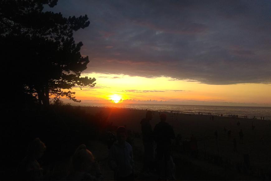 Zachód Słońca nad morzem Bałtyckim. Zdjęcie Wiktoria Trybuł. Blog SunSeasons24.