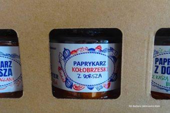 Przysmaki w zbiorczym opakowaniu z Manufaktury Rybnej w Kołobrzegu. Zdjęcie Barbara Jakimowicz-Klein. Blog SunSeasons24