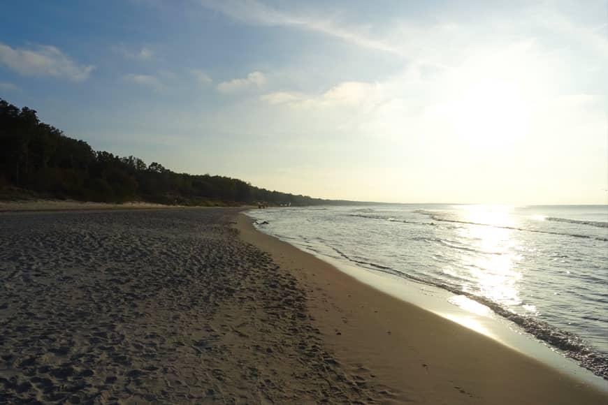 Zachód słońca na plaży zachodniej w Kołobrzegu. Zdjęcie Barbara Jakimowicz-Klein. Blog SunSeasons24