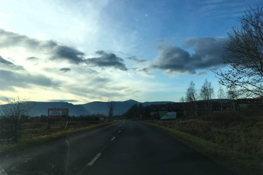 Droga dojazdowa do Karpacza. Zdjęcie Zbigniew Pasieka. Blog SunSeasons24