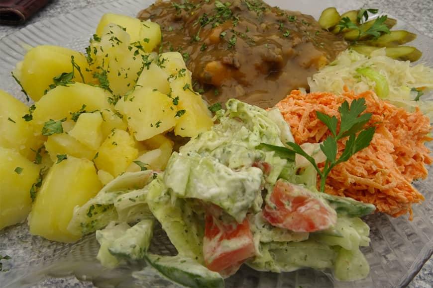 Filet z dorsza z sosem z leśnych grzybów. Zdjęcie Barbara Jakimowicz-Klein. Blog SunSeasons24