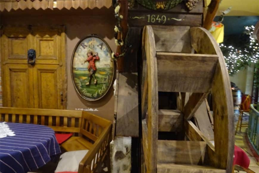 """Wnętrze nr 4 Restauracji """"Pod Winogronami"""" w Kołobrzegu. Zdjęcie Barbara Jakimowicz-Klein. Blog SunSeasons24"""
