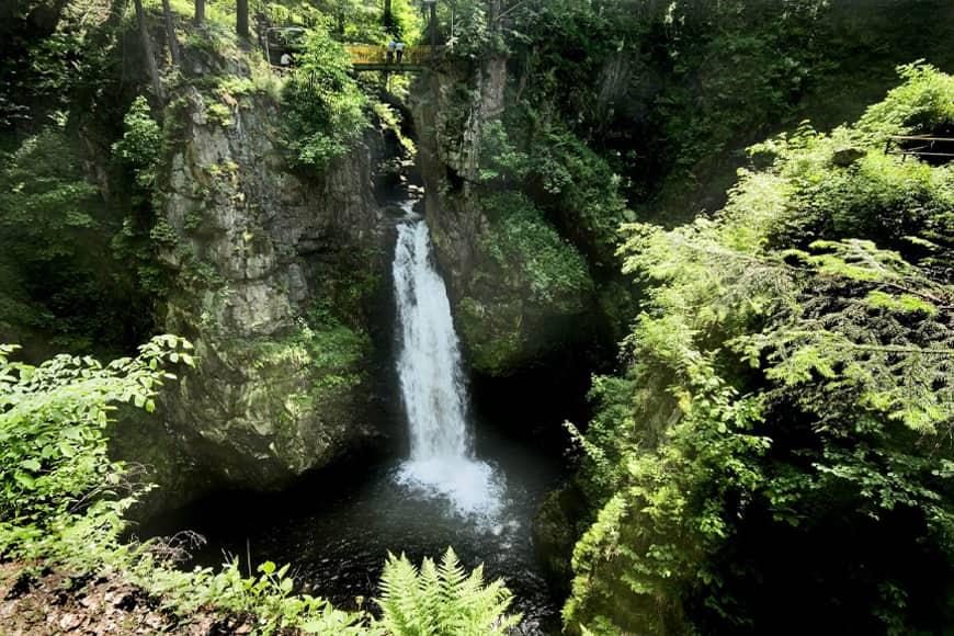 Międzygórze, wodospad. Zdjęcie Wiesław Jurewicz. Blog SunSeasons24