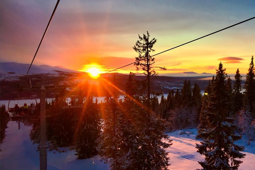 Góry zimową porą. Zdjęcie pixabay.com. Blog SunSeasons24