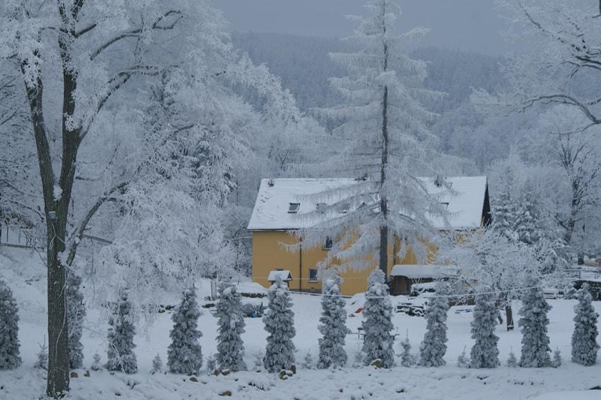 Świeradów Zdrój w zimowej szacie. Zdjęcie pixabay.com Blog SunSeasons24